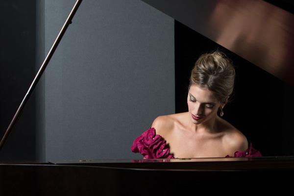 LA PIANISTA PERFETTA. Goria è Clara Schumann al Litta di Milano