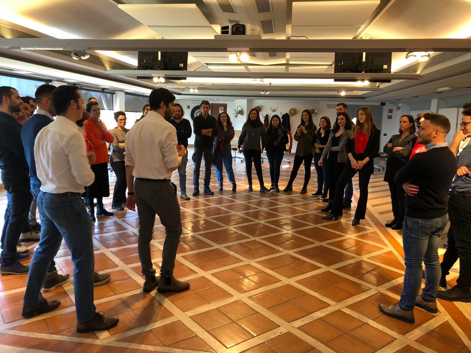 LYKAN. I teatranti che fanno formazione per scuole, aziende e imprese