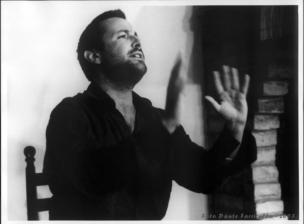 MAGGIO '43, il racconto di guerra di Davide Enia a Spazi di Teatro di Milano