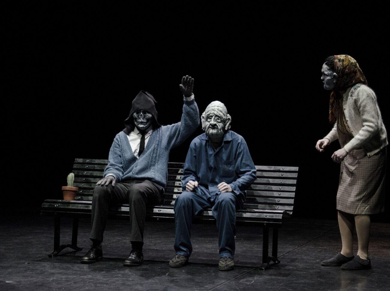 SULLA MORTE SENZA ESAGERARE, in scena al Parenti di Milano