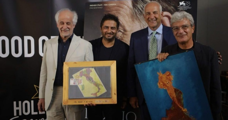 Premio Fondazione Mimmo Rotella a QUI RIDO IO di Martone con Servillo